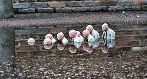 cement-eclipses-isaac-cordal-26