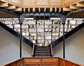 installation escalier bibliothèque - Chroniques - Artistes à la Bastille - bd