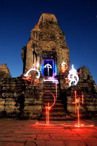 Marko 93 - light-painting -Angkor Cambodge