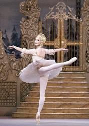 The Nutcracker. Lauren Cuthbertson as The Sugar Plum Fairy. cROH - Tristram Kenton 2013