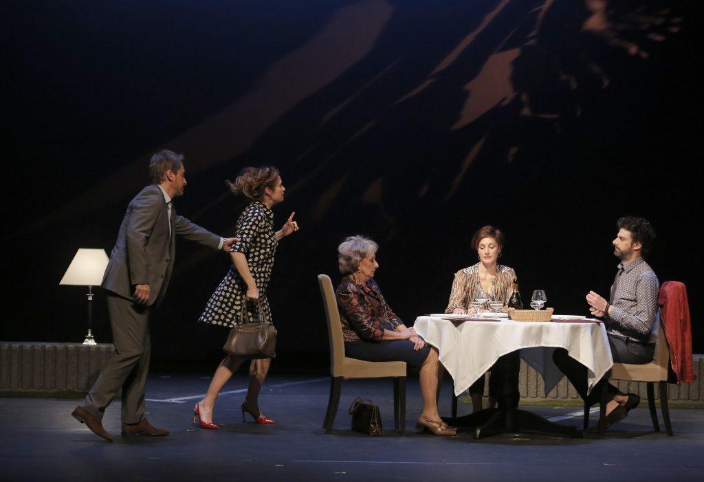 bella figura pascal victor theatre critique theztre du rond point artistik rezo paris