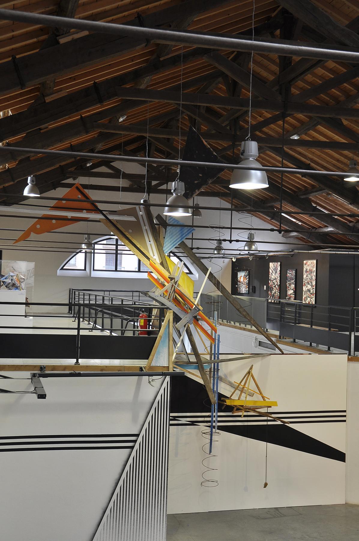 installation gilbert1 manifeste urbain la lune parachute epinal street art artistik rezo paris