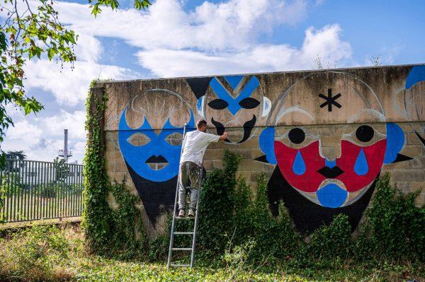 Work in progress de fresque de Gol3m durant l'Urban Art Jungle Festival 05 en 2019