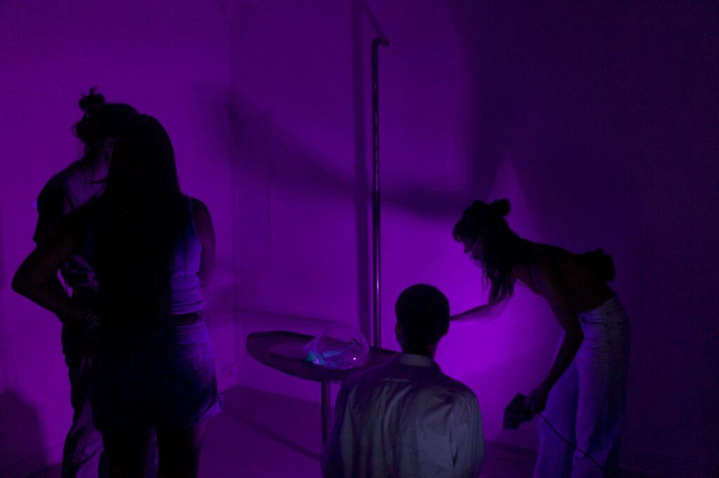 Vue d'exposition, Aquamorphose, Les Petites Maisons (Paris 12), Jeanne Briand, Ergonomic Visitor.2 from Fluid(s) of a love scene, 2020